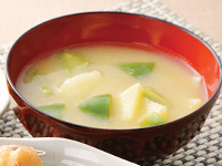 生活提案、レシピ、献立、ピーマンとじゃが芋のお味噌汁、1415