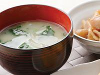 生活提案、レシピ、献立、ほうれん草と玉ねぎのお味噌汁、1348