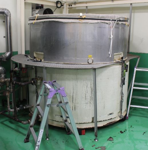 米を蒸す機械