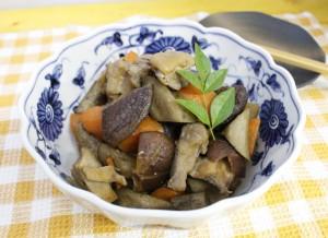 生活提案、レシピ、献立、お肉ごろごろ筑前煮、鶏肉、筑前煮、たんぱく質、秋川牧園、健康